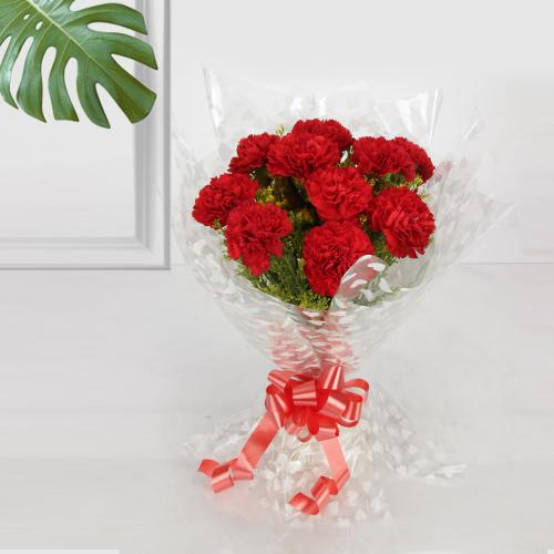 Eye-Catching Bunch of Red Coloured Carnations