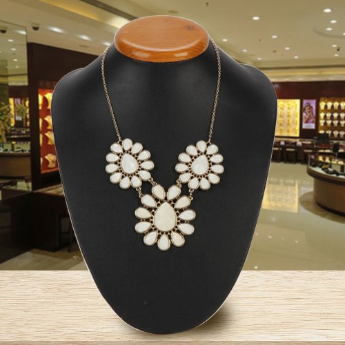 Alluring Avon Floral Clustered Necklace
