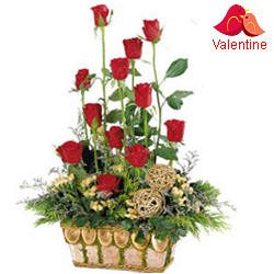 <u><font color=#008000> MidNight Delivery : </FONT></u>:15 Exclusive  Dutch Red    Roses  in Cane Basket