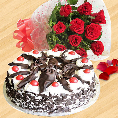 Exquisite Collection of Black Forest Cake N Red Roses Bouquet