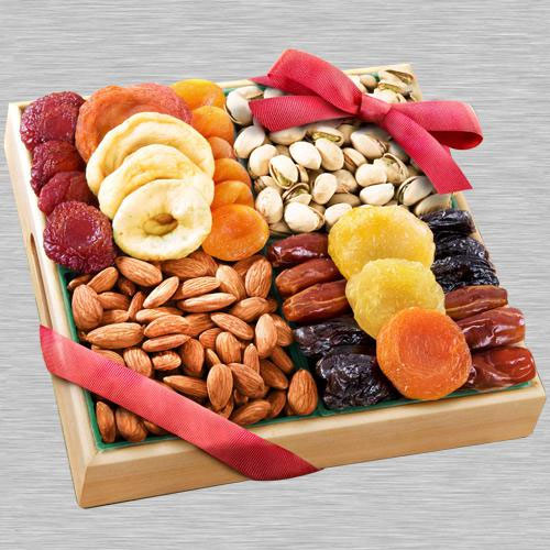 Impressive Dry Fruits Gift Tray for Mothers Day