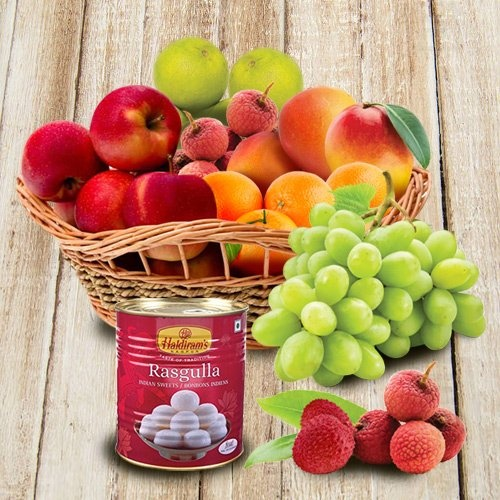 Mothers Day special Basket of Assorted Fresh Fruits with Haldiram Rasgulla