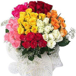 Charming Bouquet of Mixed Roses