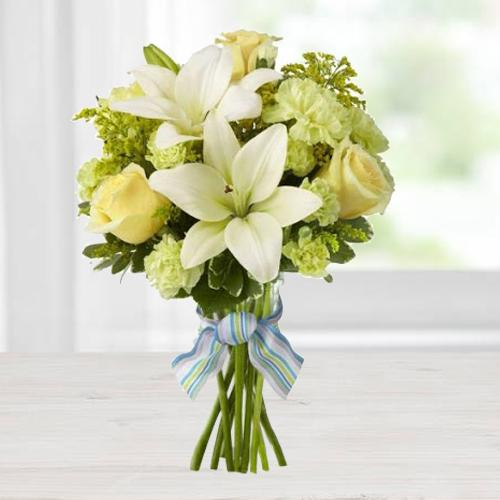 Titillating Bouquet of Lily, Roses & Carnations in Yellow Colour