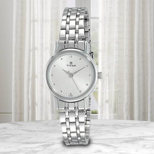 Wonderful Titan Karishma Revive Analog Womens Watch